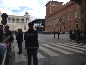 Piazza Venezia: 22 aprile 2013, tra le ore 17 e le 18.